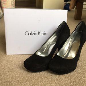 Calvin Klein Platform pumps | Size: 10